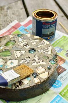 Piedras con mosaicos para el jardín 9