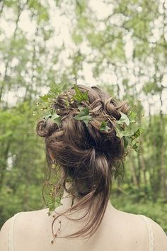 Rustic, fantasy or simply forest dream wedding and how perfect and simple this would be for a head circlet
