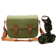 Zlyc Waterproof Vintage Faux Leather and Canvas Camera Bag Messenger Bag for DSLR Camera and Lens ZLYC http://www.amazon.com/dp/B00L9TIZ0I/ref=cm_sw_r_pi_dp_4C5Qtb1AMHMN76J5