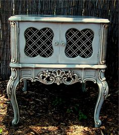 French Provincial Side Table- im going to paint my furniture projects like this :)