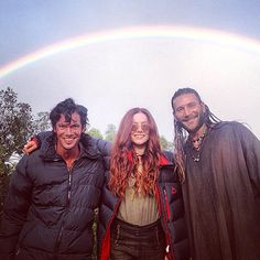 Toby Schmitz, Clara Page and Zack McGowan on a day off from filming Series Movies, Tv Series, Clara Paget, Black Sails Starz, Charles Vane, Toby Stephens, Good Looking Actors, Pirate Life, Pirate Art