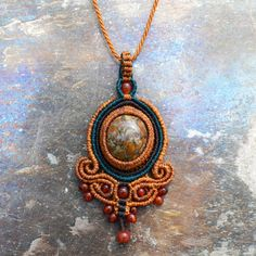 Jasper and Fire Agate Baroque Pendant – Collier West Collar Macrame, Macrame Colar, Macrame Dress, Macrame Necklace, Macrame Jewelry, Pendant Necklace, Pagan Jewelry, Soutache Jewelry, Tie Knots