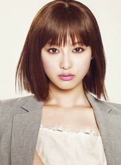 Kim Ji Won - Sure April 2014 - Blunt Bangs, Blunt Shoulder-length Cut, Glossy Hair