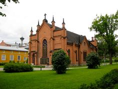 Finlaysonin kirkko Grave Monuments, Old Buildings, Homeland, Castle, Mansions, Architecture, House Styles, World, Places