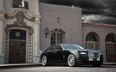 Rolls-Royce Luxury Cars