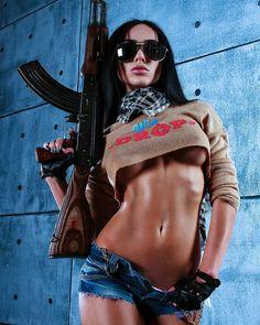 . . . . . #xgirls_gunsx #gunsandgirls #girlsandguns #ak #ak47 #762x39 #russia #russian #russianguns #fitness #fitnessgirl #cool…