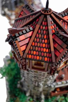 The-Light-closeup- lego roof technique