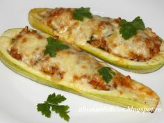 Try these meat stuffed zucchini boats for lunch or for dinner along with your favorite salad! Tender zucchini stuffed with juicy meat, topped with cheese and baked to perfection make the perfect di… Zucchini Boats, Stuffed Zucchini, Food For Thought, Food Photography, Good Food, Food Porn, Cooking Recipes, Lunch, Stuffed Peppers