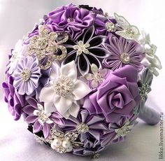 25 original ideas for quinceañera bouquets Flower Crafts, Diy Flowers, Fabric Flowers, Kanzashi Tutorial, Making A Bouquet, Diy Bouquet, Shibori, Shabby Chic Headbands, Lavender Bouquet