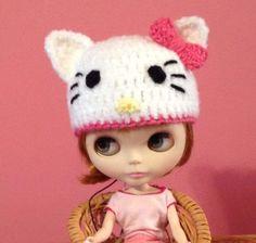 Blythe Hello Kitty hat