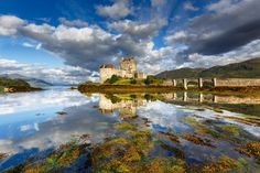 Замок Эйлен Донан, Шотландия  #travel #travelgidclub #путешествия #traveling #traveler #beautiful #instatravel #tourism #tourist #туризм #природа #пейзаж #архитектура #замок #castle #Эйлен #Донан #Шотландия