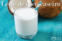 Na onda dos leites vegetais, um dos mais deliciosos é o leite de coco! Pode ser tomado puro e utilizar nas mais diversas combinações de receitas. É uma opção vegetariana e sem lactose. É muito fáci…
