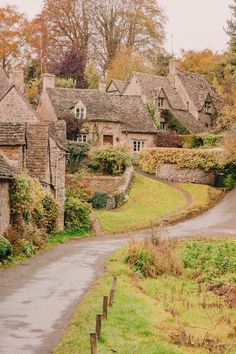 14 Best Places In The Cotswolds You Should Visit 14 besten Orte in den Cotswolds, die Sie besuchen sollten Cool Places To Visit, Places To Travel, Travel Destinations, Best Honeymoon Destinations, Places In England, Visit England, English Countryside, Cinque Terre, Dubrovnik