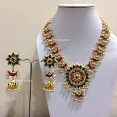 Tips For Finding The Pefect Piece Of Jewelry Indian Wedding Jewelry, Indian Jewelry, Bridal Jewelry, Gold Jewellery Design, Gold Jewelry, Beaded Jewelry, Stylish Jewelry, Simple Jewelry, Afro