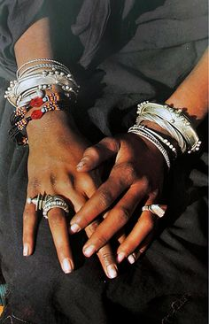Africa | Tuareg woman's hands. Mali | ©Angela Fisher