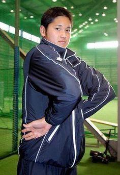 【プロ直伝】大谷翔平の肩甲骨をゲットする5つの超実践ストレッチ - TraveLife