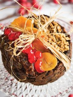 Το κέικ των Χριστουγέννων είναι αναμφισβήτητα ένα από τα πιο αγαπημένα μουγλυκά. Cooking Recipes, Beef, Food, Coca Cola, Meat, Coke, Cooker Recipes, Essen