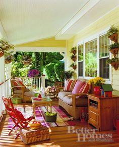 Decorating Inspiration-Cottage decorated patio