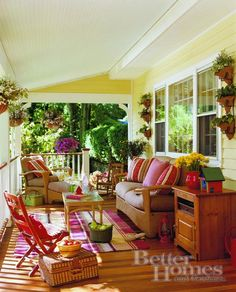Decorating Inspiration-Cottage decorated patio