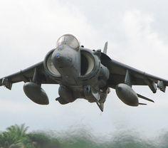 Harrier AV-8b with gau-12 gun pod
