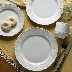 Mottahedeh Prosperity Dinnerware: George Washington had a deep affinity for stoneware and creamware and used it extensively at Mount Vernon.  This new porcelain pattern Prosperity is based on salt glazed fragments found on Mount Vernon.  Salt glazed stoneware predates creamware and was popular by 1765. The dot, diaper and basket design is intricate and reflects the attention to detail in Mottahedeh's reproduction of the original piece.