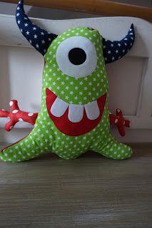 Monstazz, Kuschelkissen, Kissen, Monster, PedisHandmade Monster Toys, Softie Pattern, Ugly Dolls, Fabric Animals, Homemade Stuffed Animals, Animal Projects, Sewing Toys, Animal Pillows, Diy Pillows