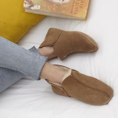 #shearlingslippers #highqualityslippers #qualityshearlingslippers Shearling Slippers, Leather Slippers, Mens Slippers, Suede Boots, Pixie Styles, Slipper Boots, Tan Skin, Different Styles, Brown And Grey