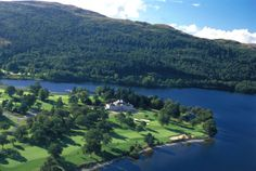 Golf course in Scotland, Loch Lomond. Golfbaan in Schotland.