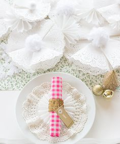 Simply Earnest: Simple Christmas Snowflake Table Runner