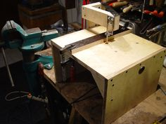 Jigsaw Table with Blade Guide