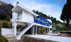 Eileen Gray's E-1027 modernist house in the south of France and Le Corbusier's holiday home Cabanon next to it have reopened following a five-year renovation. Eileen Gray, Concrete Structure, Building Structure, Le Corbusier, Villa, Facade, Restoration, 1, House Design
