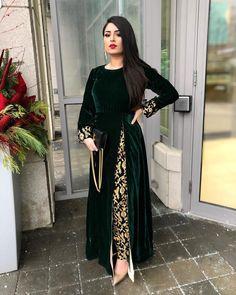Pakistani Fashion Casual, Pakistani Dresses Casual, Pakistani Dress Design, Pakistani Bridal, Indian Fashion, Stylish Dress Designs, Designs For Dresses, Stylish Dresses, Party Wear Indian Dresses
