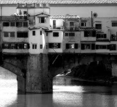 Mario Rotta, 5 settembre 2013, The Brdige [Ponte Vecchio, Firenze, september 2013] #florence #firenze #pontevecchio #oldbridge #bridgesaroundtheworld #bridge #ponte #monochromemonday #monochromephotography