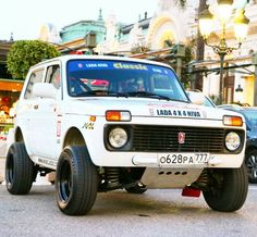 Jeep 4x4, Jeep Truck, Weird Cars, Cool Cars, Alfa Romeo, Expedition Vehicle, Custom Trucks, Cars And Motorcycles, Super Cars