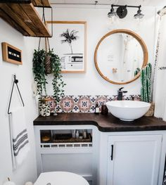 Revamp Your Vintage Camper – Ideas to Inspire You – Quadrostyle Interior, Remodel, Tiny Living, Diy Camper, Vintage Camper Remodel, Diy Projects Vintage