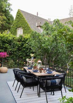 Ultimate Deck And Patio Area Retreat For Easy Living – Outdoor Patio Decor Outdoor Dining Set, Outdoor Seating, Outdoor Spaces, Outdoor Living, Outdoor Shop, Dining Sets, Backyard Planters, Backyard Patio, Diy Patio