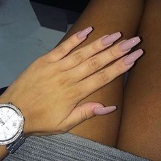 Opting for bright colours or intricate nail art isn't a must anymore. This year, nude nail designs are becoming a trend. Here are some nude nail designs. Sexy Nails, Nude Nails, Nails On Fleek, Acrylic Nails, Acrylics, Stiletto Nails, Coffin Nails, Acrylic Spring Nails, Matte Nails