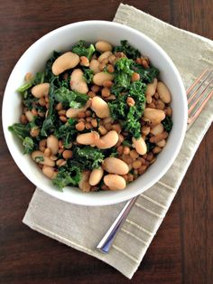 White Bean, Kale and Lentil Salad. Super simple salad packed with fiber and protein.