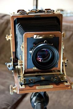 This 4x5 field camera looks so intense! I would love to try and shoot with this.