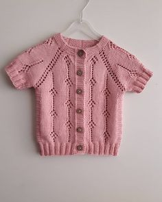 mop-shoulder-baby-vest-model-and-full-description-i-nazarca-co-yelek/ - The world's most private search engine Baby Cardigan, Cardigan Bebe, Baby Pullover, Knitting For Kids, Baby Knitting Patterns, Crochet For Kids, Knitting Designs, Knit Crochet, Pull Bebe