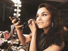 #SamanthaBarks Makes Beautiful Music for Mark Cosmetics | People.com #markgirl