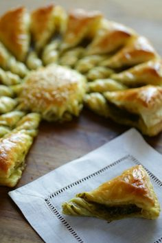 Easy Holiday Appetizer Idea using Store-Bought Puff Pastry! So impressive and EASY! via Easy Holiday Appetizer Idea using Store-Bought Puff Pastry! So impressive and EASY! Puff Pastry Appetizers, Appetizers For A Crowd, Holiday Appetizers, Holiday Recipes, Seafood Appetizers, Easter Recipes, Party Appetizers, French Appetizers, Vegetarian Appetizers
