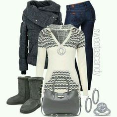 Love the sweater #botas
