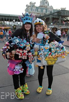 EPBOT: The Harry Potter Ride, Random Disney Stuff, and Jen Rambles - I want to be that girl on the left!  Minus all the non-Stitch stuff.