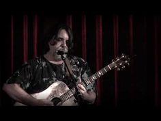 Darrell Scott - Wayfaring Pilgrim - live at the Icarus Club - YouTube