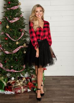 tulle skirt, black skirt, black tulle skirt, holiday outfit ideas, plaid shirt outfit, red plaid shirt, Modern Vintage Boutique