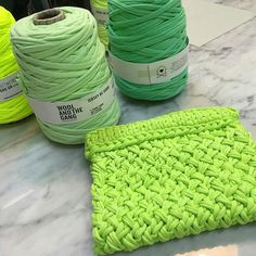 "@shareyourknits's photo: ""#Regrann from @min_kyung_h - . - #knitting #woolandthegang #playwool #MADEUNIQUE #HoldTightClutch #jerseyBeGood #FinishedWoop"""