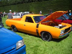 Valiant Ute Australian Muscle Cars, Aussie Muscle Cars, American Muscle Cars, Races Style, Van Car, Mopar Or No Car, Road Racing, Old Trucks, Plymouth