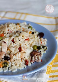 INSALATA DI RISO DI MARE Rice Salad Recipes, Salty Foods, Rice Dishes, Antipasto, Light Recipes, Finger Foods, Appetizers, Food And Drink, Cooking Recipes