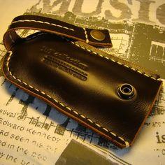 40ff5099d2ac Практичная ключница с карманчиком для электронного ключа к домофону  handmade для авторского подарка. Коричневая кожа